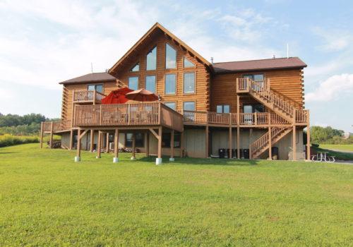 Backyard - Lake View Lodge