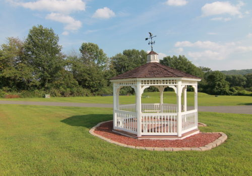 Gazebo - Lake View Lodge