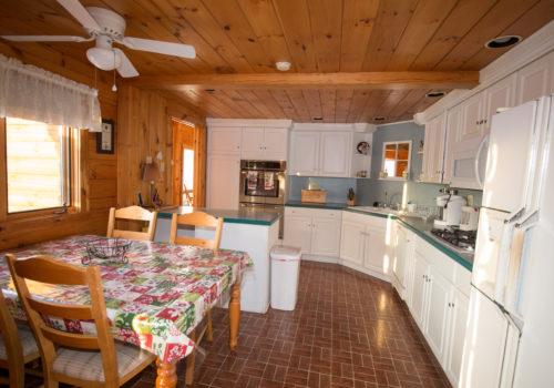 Kitchen - Lake View Lodge